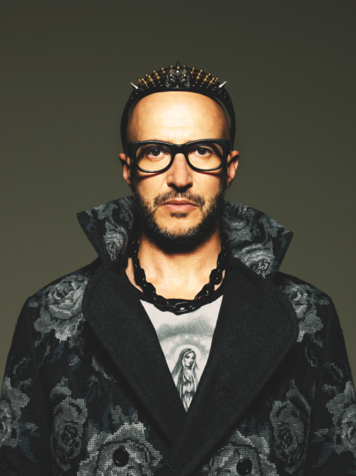 themenissue:  @SATURNINO69 ARE YOU READY FOR IT? COMING SOON #MAX PH BY @TONITHORIMBERT STYLING BY ALESSANDRO CALASCIBETTA FASHION BY @DOLCEGABBANA  👍