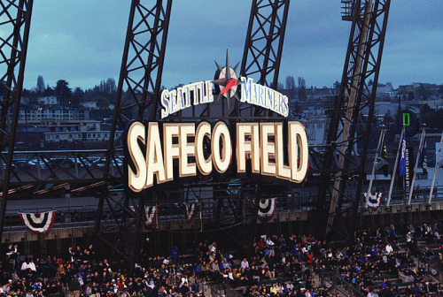 tjgphotos:  Safeco field, opening day.