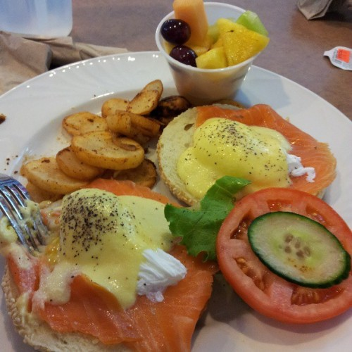 mirage3ks:  Yummy #salmon #egg #benedict with toasted #sesame #bagel for #breakfast #Ottawa #Bagelshop (at The Ottawa BagelShop)
