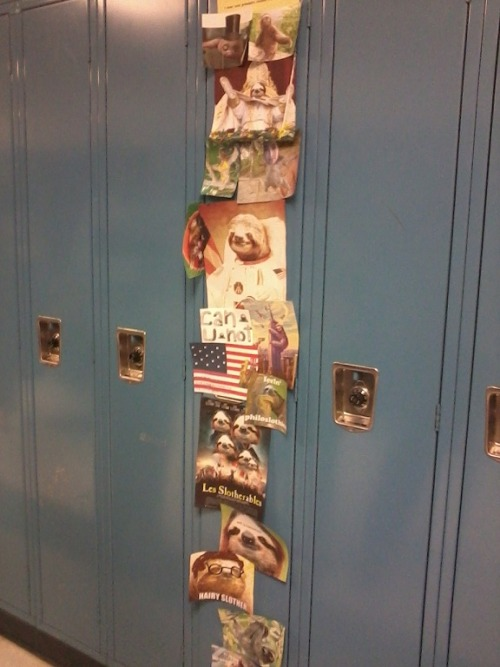 queendavekat:  today i walked into school and i go to my locker and theres like 15 kids crowded around it im like wtf is going on so i push through these jackasses and i took one look and almost cried   This is terrifying… i fucking hate sloths…