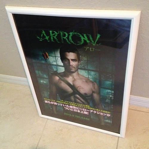 wasabianime:  Framed #Japanese #Arrow TV series mini poster we're giving away at @FFFComics http://instagram.com/p/Y2XHm2mBOT/  *drools*
