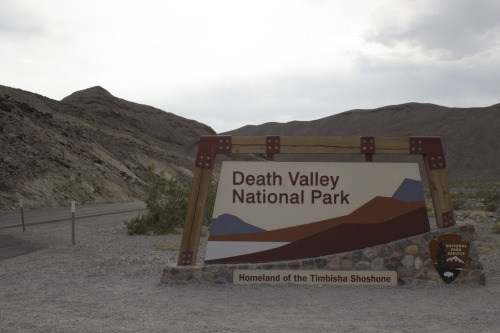 Welcome to Death Valley! by mooflyfoof http://flic.kr/p/ektzLj (i like it!)
