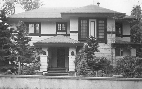 prairieschoolarchitecture:  Willatzen & Byrne, James T. McVay House, Seattle, Washington, 1911 period photo