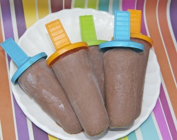 recoverykitty:  Popsicle Recipes: Chocolate Edition! Chocolate Covered Strawberry Pops Mint Chocolate Cheesecake Pops Samoa Pops Rootbeer Float Pops Hot Cocoa Pops Double Chocolate Swirl Pops Creamy Chocolate Almond Milk Pops Double Chocolate Frozen Fudge Pops Nutella Pops