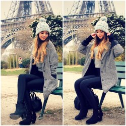 zoella:  Paris <3