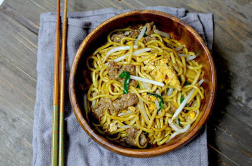 in-my-mouth:  Stir Fried Noodles with Beef and Savoury Sauce
