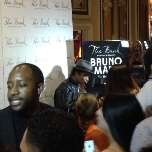 "bmars-news:  ""dscolpino: #pregaming #tailgating #bellagio @.brunomars @.jesseekuh #brunomars #friends #drunk #dranks #turntup #vegas #thebank"""