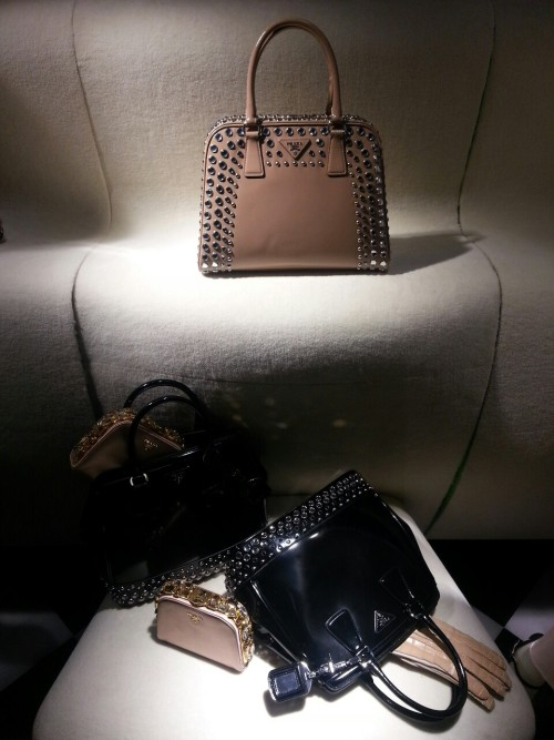 blackberryvision:  Prada. Madison Ave.