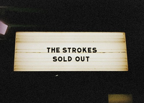fadeintoyoustrangeyouneverknew:  would kill to see the strokes