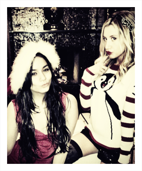 Santa's Lil helpers. Decorating with vanessahudgens#christmas #besties