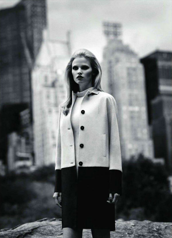 onemanshighfashionblog:  Lara Stone by Alasdair McLellan for Vogue Paris Nov 2011