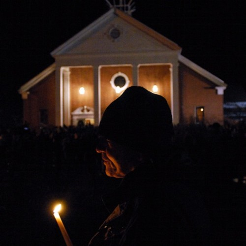 Citizens of Newtown gather at Saint Rose of Lima church to hold a vigil for the 26 victims of the Sandy Hook Elementary school shooting in Sandy Hook, Connecticut. (Neville Elder For the Globe And Mail) #photojournalism #newtown #sandyhook