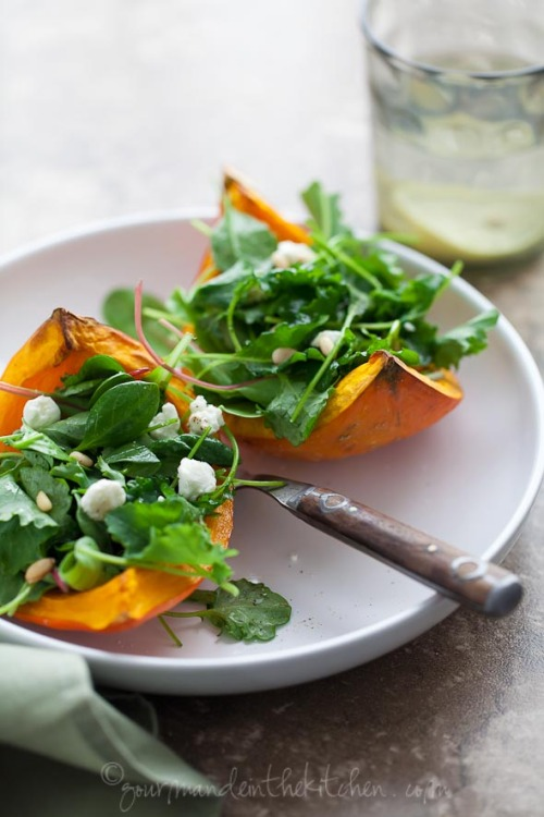 squaremeal:  (via Roasted Winter Squash Salad with Goat Cheese and Pine Nuts | Gourmande in the Kitchen)  We need to do this.
