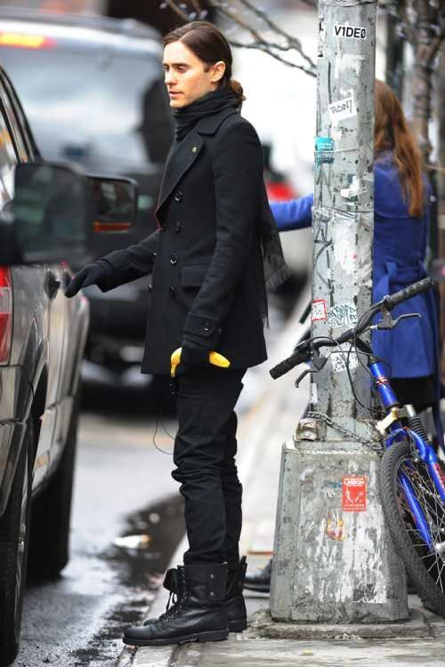 mandolinaes:  Jared Leto seen with a banana out in Manhattan on MARCH 19, 2013 in New York City  the bike is jealous