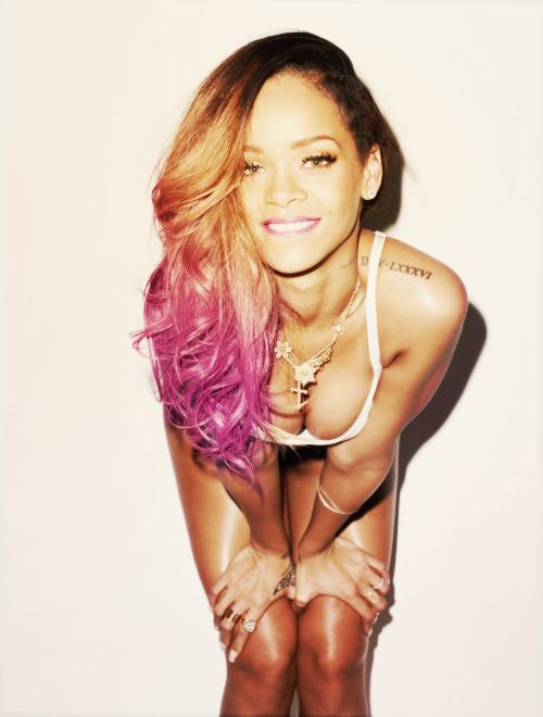 iprefer-vodka:  Rihanna. | via Tumblr bei @weheartit.com – http://whrt.it/10Ics6g
