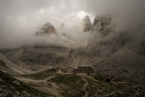 Rifugio Pradidali, Pale di San Martino, Dolomites, Italy by Xindaan on Flickr.