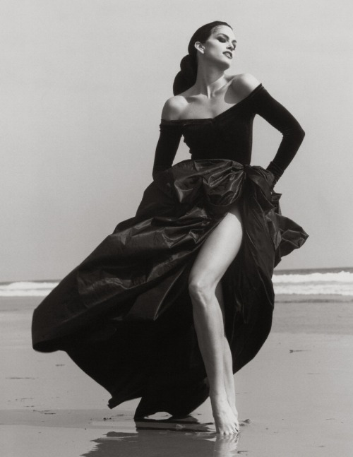 Herb Ritts, 1993. Cindy Crawford.
