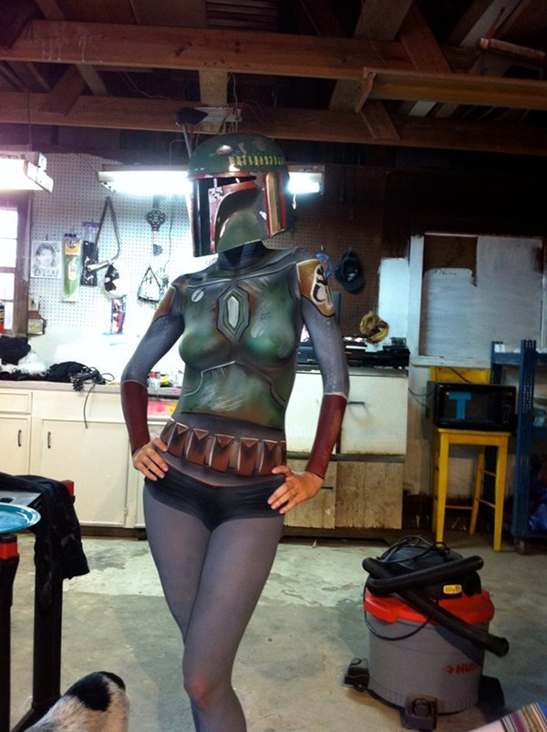 internetonmybrain:  Who doesn't love body paint?