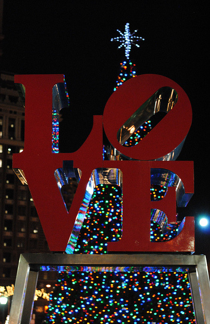 Merry Christmas Eve, Philly! (by Laura Swartz pompomflipflop)