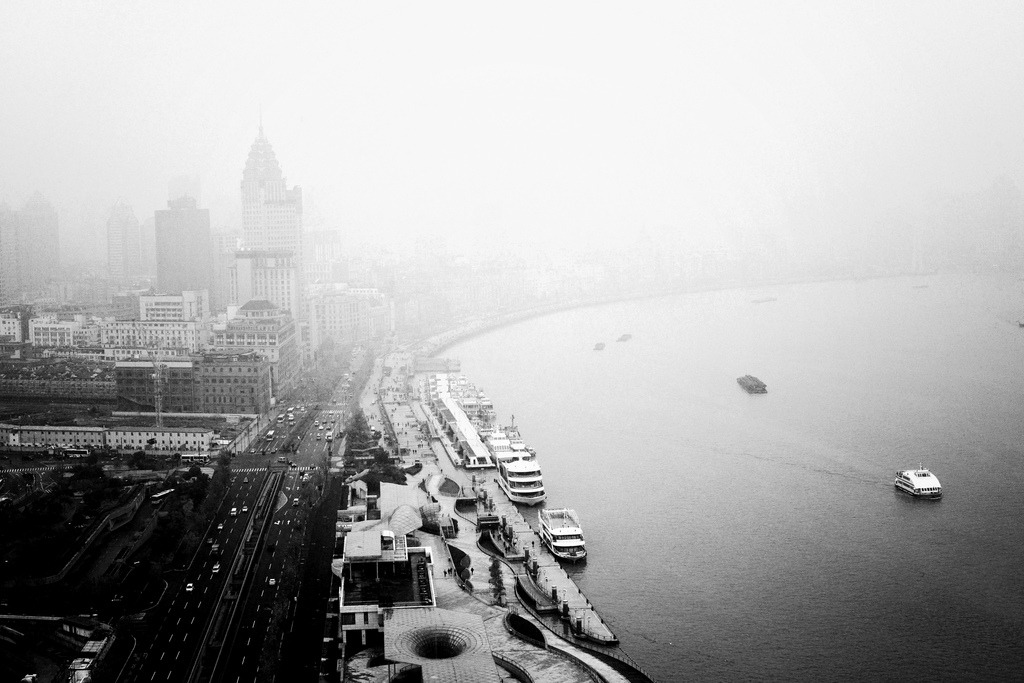 The Bund, Shanghai (by Simon Hua)