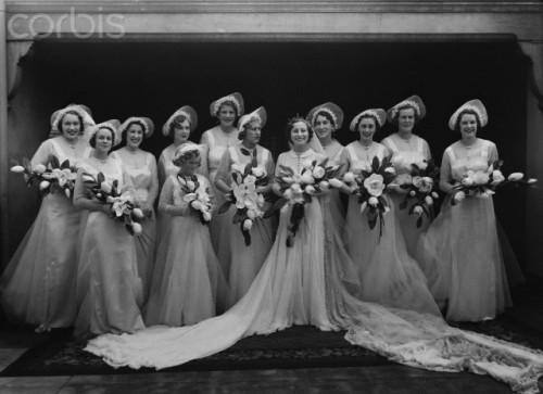 vintagebrides:  Bride surrounded by her maids, 1930's