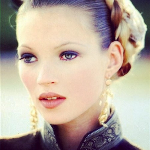 Too perfect 👽#icon #style #fashion #beauty #katemoss