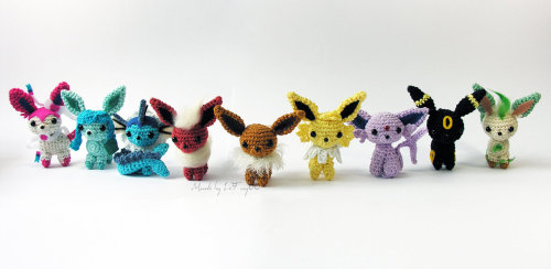 loneoverdose:  thefingerfuckingfemalefury:  geeksngamers:  Chibi Pokemon Amigurumi - Created by LeFay00 Like on Facebook for more great projects  OH MY GOD I NEED THEM I NEED THEM ALL  *SQUEELS!*