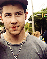 nick jonas looking perfect in recent random/fan pictures