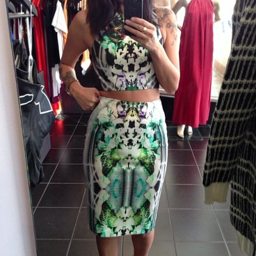 kiss-meyou-fool:  x  love the print