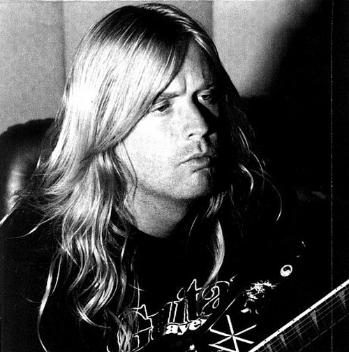 crushing-metal-strikes:  R.I.P. Jeff Hanneman (1964 - 2013)