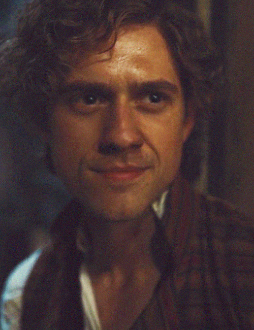 eponinny:  32/100 enjolras screencaps