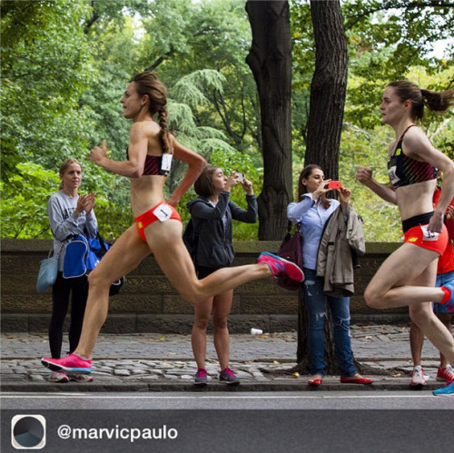 nicerunningday:  Jenny Simpson's stride at 5th Avenue Mile NYC