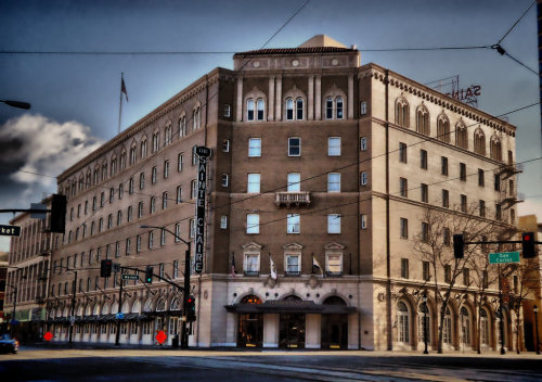 St. Claire#downtown #sanjose #urban #architecture #exterior #hdr #hdri #hotel #california #sony(from @rsan on Streamzoo)