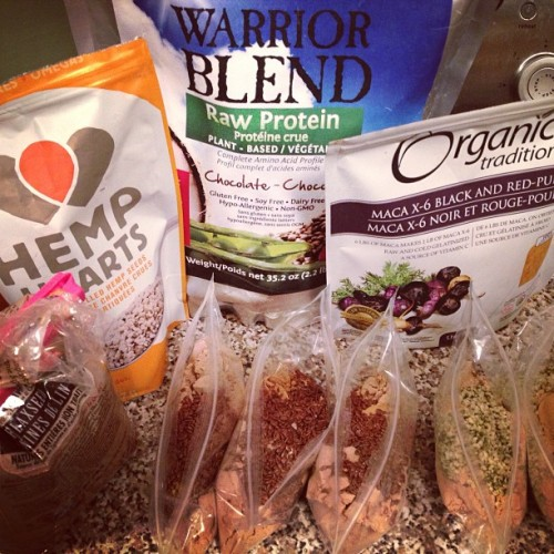 Eat Clean Factory!! I've packed protein baggies with chocolate Sunwarrior, 1 tsp Maca, and either 1 TBSP Hemp Hearts or Flax Seeds. #blessedbodies365 #travel #jtr #justtherules #fitnessprint #eatcleandiet #oxygenmagazine @eatcleandiet @toscareno @fatikusch @oxygenmagazine #preparation #flight #tips #toscareno #fuel @amyecd #fitness #foodporn #athlete #girlswithmuscles #fitnessfreaks