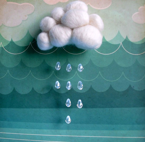 umla:  needlefelted white raining cloud by atelierpompadour on Flickr.
