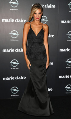 2013 PRIX DE MARIE CLAIRE AWARDS - LAURA DUNDOVIC Some of the biggest names in Australian beauty and fashion attended the annual Prix de Marie Claire Awards in Sydney last week. The black tie-style soiree was held at The Star, paying tribute to the industry with the likes ofLara Bingle, Megan Gale, Laura Dundovic and Jodi Anasta strutting the red carpet. The fab fashion masterminds also present included designers Camilla Franks, Alex Perry and Sass & Bide's Heidi Middleton and Sarah-Jane Clarke. More pics from the event here ! Image Source: Zimbio
