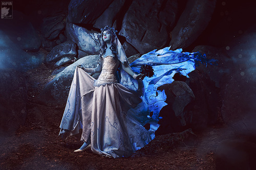 vhanstiel:  theblacklacedandy:  hiilikebutts:      Corpse Bride Cosplay by CP_Kifir one     IM GOING TO CRY   Tim Burton should be proud.
