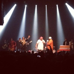ghostface & william hart of delfonics singing 'holla' live