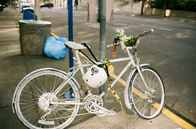 daisiesanddreamers:  Bike on Flickr.
