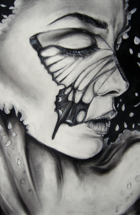 eatsleepdraw:  Drawn in 3 hours with charcoal It's like the real-life version of Tim Burton's Corpse Bride. http://lucyyinart.tumblr.com/