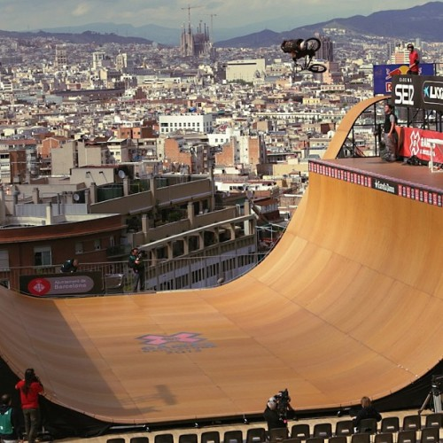BMX Vert from Barcelona Spain on ESPN and online at watchESPN at 12 noon EST!! @cocozurita blasting here. @bmxdmc and @simontabron going go gold also.