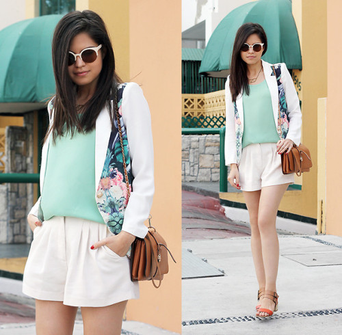 lookbookdotnu:  Sunny Sunday (by Adriana Gastélum)