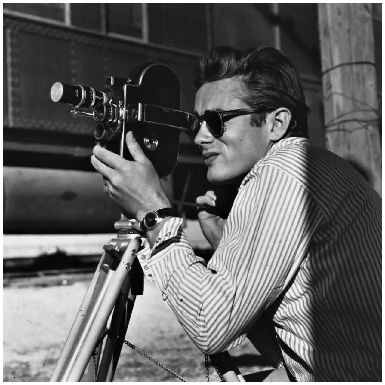 mpdrolet:  James Dean on the set of Giant, 1955 Sid Avery
