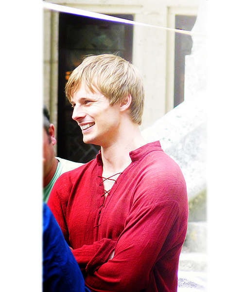 jaimegoldhand:  11/100 pictures of Bradley James