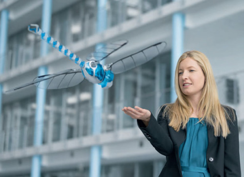 BionicOpter Robotic Dragonfly Was Inspired by Complex Flight Characteristics of A Dragonflytuvie.com Drag­on­fly has com­plex flight char­ac­ter­is­tics, and Festo has man­aged to incor­po­rate these sophis­ti­cat­ed mech­a­nisms into Bion­i­cOpter robot­ic drag­on­fly. Just like a real drag­on­fly, t …  Dragon Fly Ish!