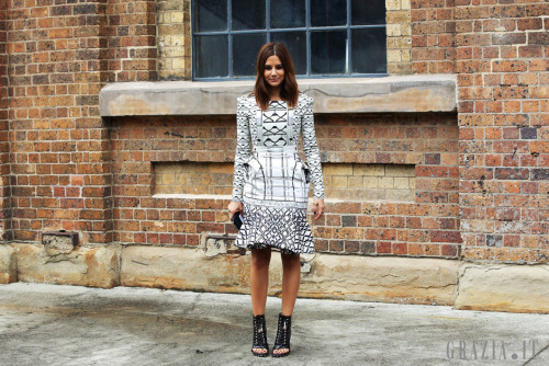 what-do-i-wear:  Australian streetstyle during Fashion Week (image: grazia.it)