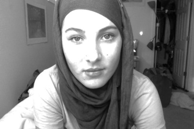 today, i decided to see what i look like with a hijab on. it was kind of complicated to do, even with a tutorial. and i know you can see a pin :( but it was pretty comfortable.