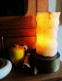 Vintage alabaster lamp from HKFM. Great find by Amy Donaldson Design!
