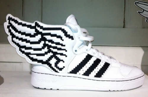"inspiredbymuses:  ADIDAS ORIGINALS Jeremy Scott WINGS 2.0 ""PIXELS"""