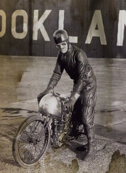 manxgoose:  Brooklands in 1933 on his Excelsior JAP 175cc
